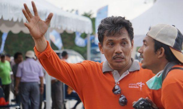 Foto: Kepala Dinas Pariwisata Sulbar Farid Wadji saat mengarahkan panitia sandeq race