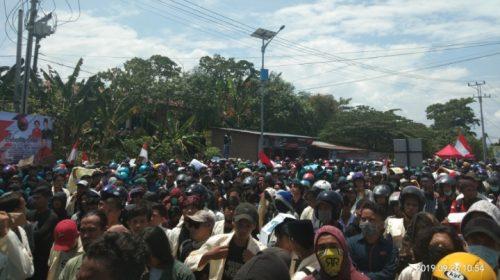 Giliran Mahasiswa Sulbar Demo di Kantor DPRD