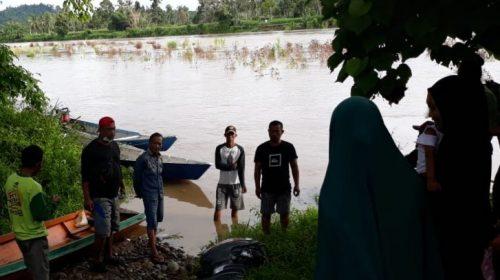 Hilang di Sungai Karama, Satu Keluarga Belum Ditemukan