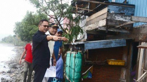 Irwan Pababari Kunjungi Lokasi Bencana Abrasi di Tapalang