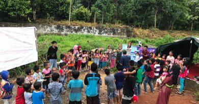 Jendela Pendidikan, Ajak Anak-anak Belajar Ceria