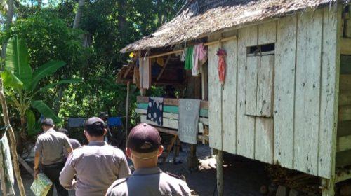 Direktorat Binmas Polda Sulbar Berbagi Sembako di Majene
