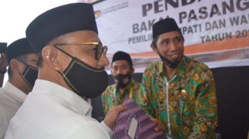 KPU Mamuju Terima Berkas Pendaftaran Habsi-Irwan, Tina-Ado Dikembalikan
