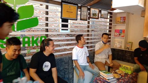 Hari Sumpah Pemuda, Arismunandar Sumbangkan Buku ke Lapak Baca
