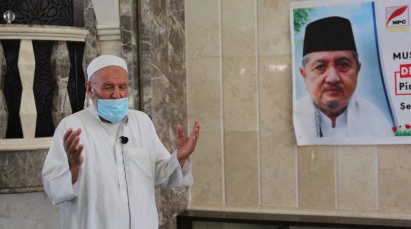 Muslim Palestina Gelar Salat Gaib untuk KH. Abdullah Syukri Zarkasyi