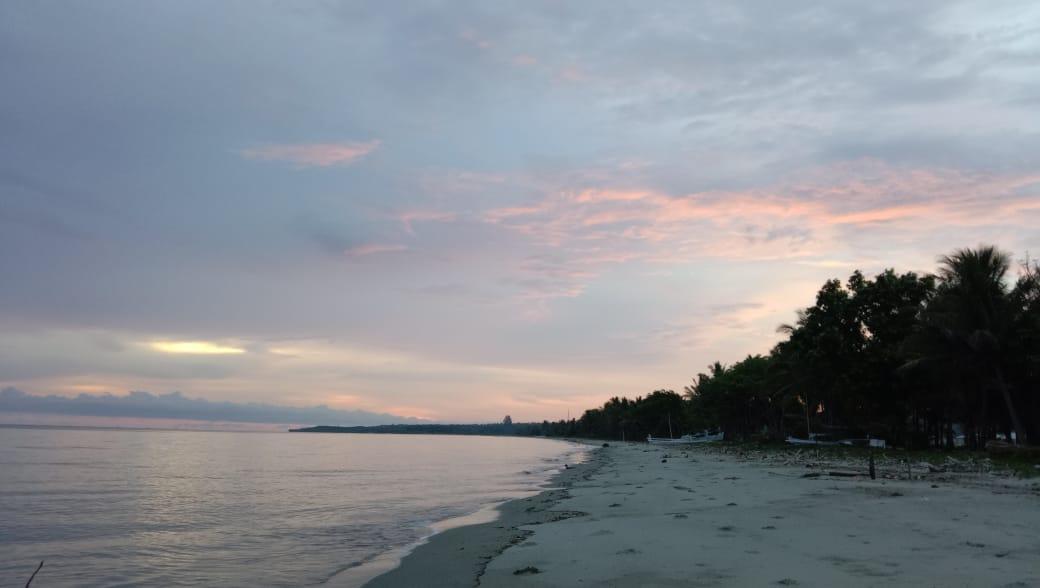 Mengenal Obyek Wisata Pantai Lapeo, Polewali Mandar