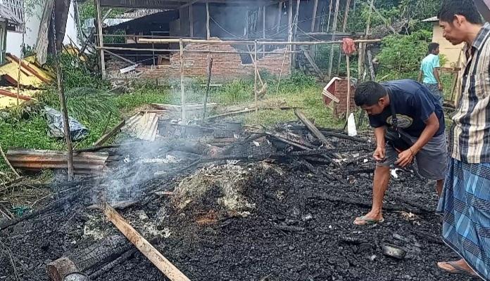 Si Jago Merah, Hanguskan Tenda Penyintas Gempa di Malunda