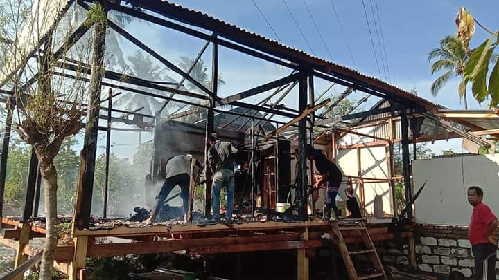 Jago Merah Lahap Rumah Penyintas Gempa