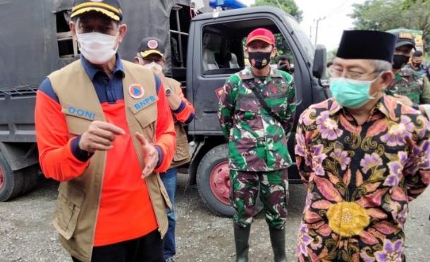 BNPB Serahkan Bantuan Rp464 Miliar, Doni: Jangan Dipotong!